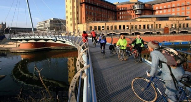 How to: Split your journeys and cycle the last few miles